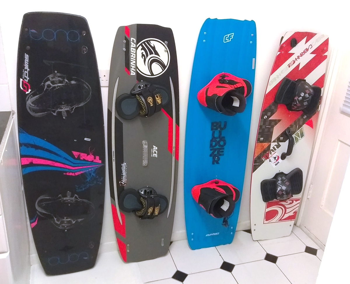 4 different Twin-tip kiteboards