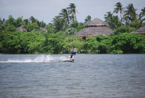 Kite Center Sri Lanka - Ride the Kappalady lagoon