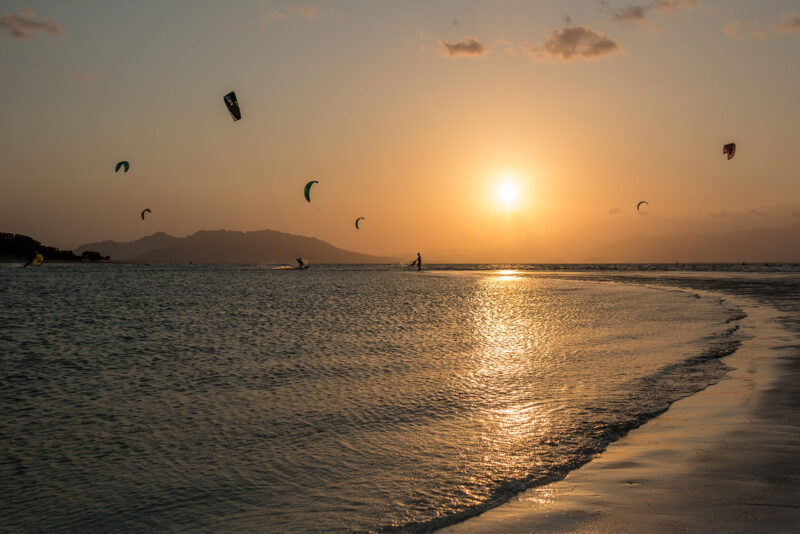 Punta Chame kitesurf kites at sunset