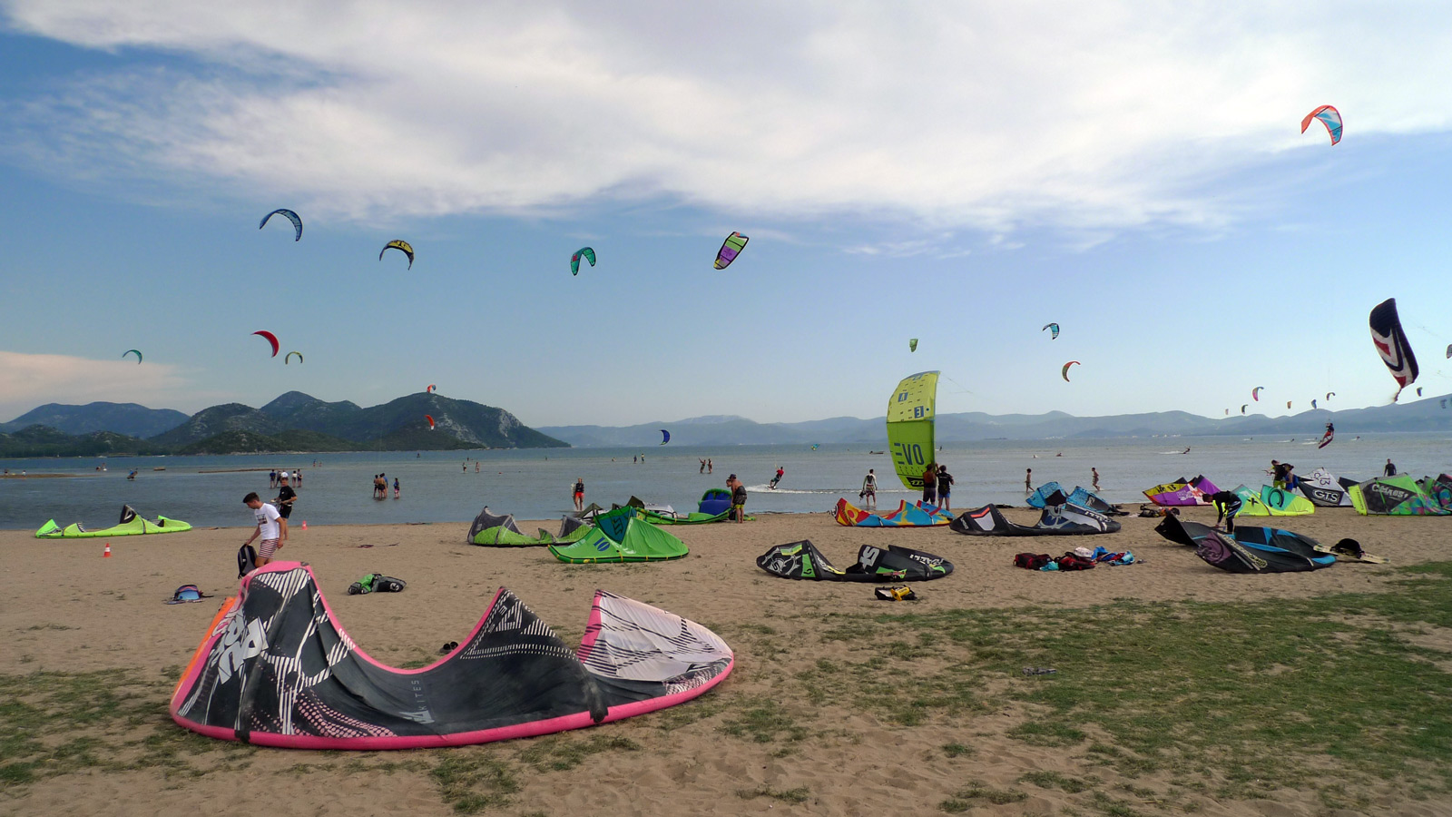Busy beach in Kiteboarding Komin, Croatia