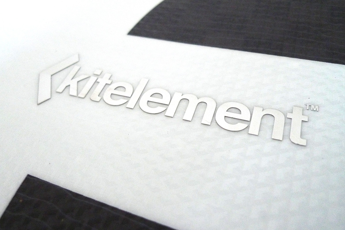 re solve split kiteboard by Kitelelement logo on board