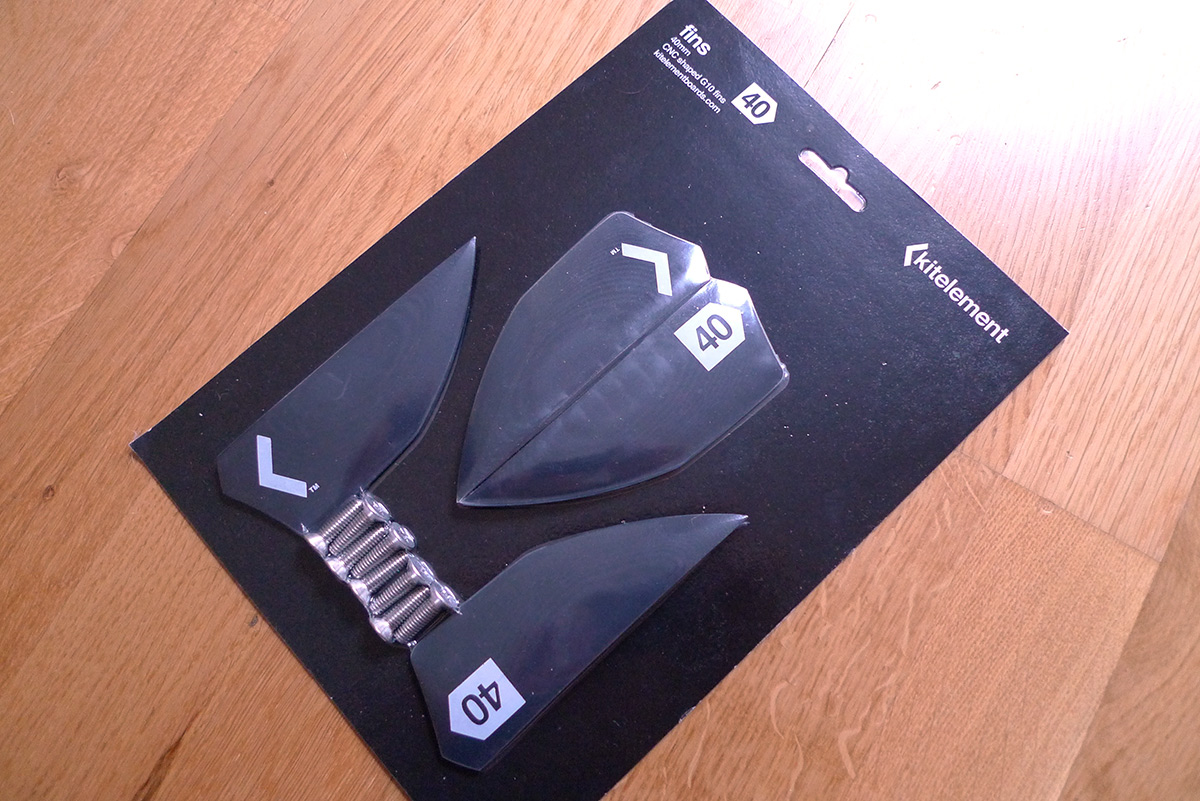 re solve split kiteboard by Kitelelement fins in packaging