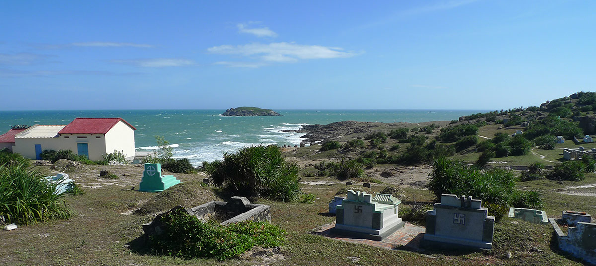 A view over a cemetery in Mui Ne, next to Malibu beach.