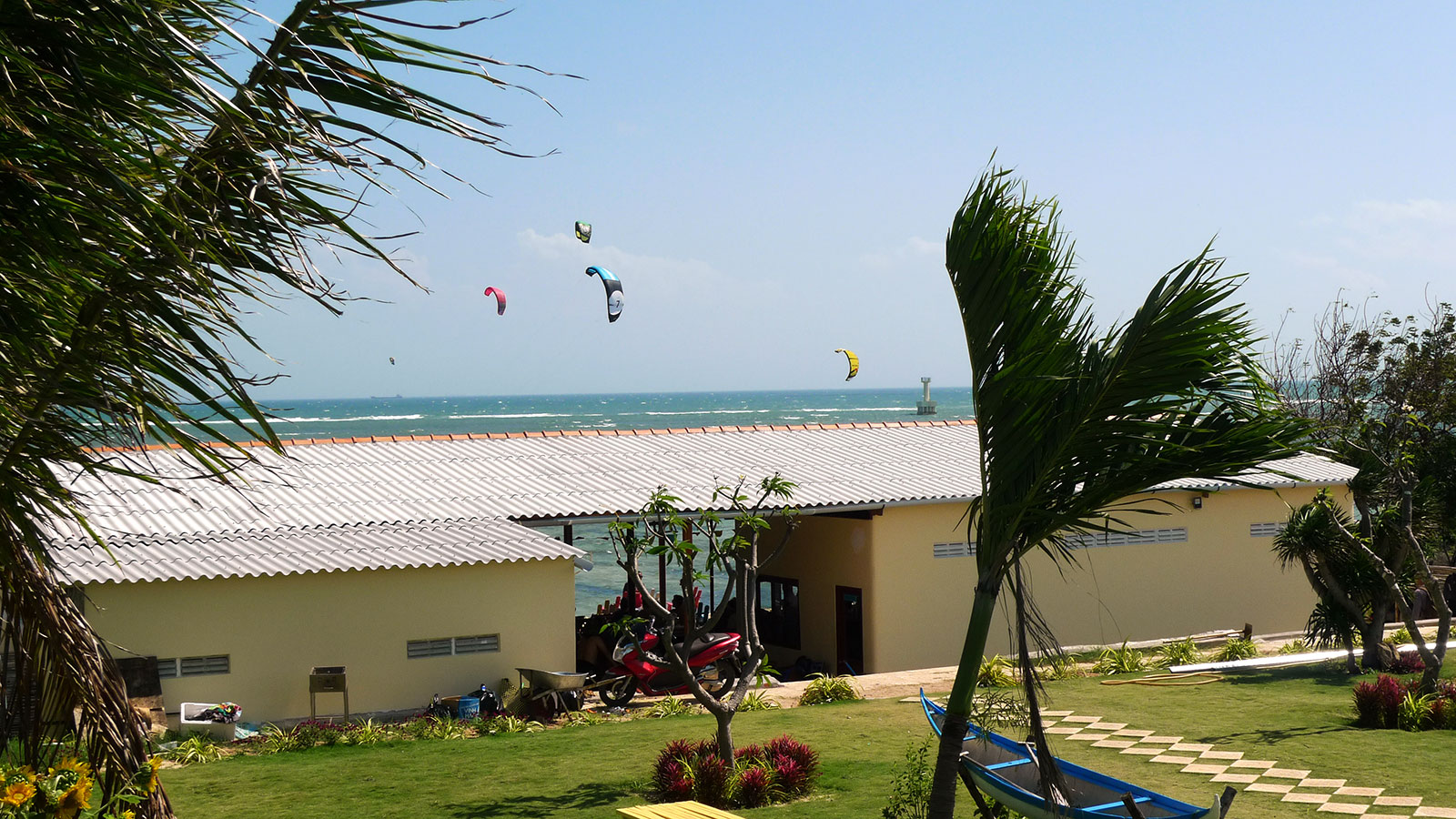 Kitesurf accommodation at My Hoaxing lagoon, Phan Rang.