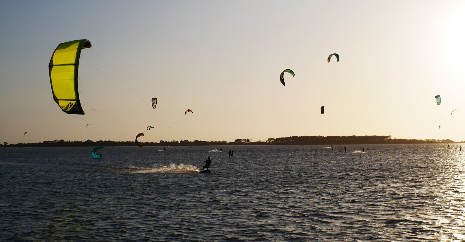 Switch Krypto and other kites in Lo Stagnone's sunset