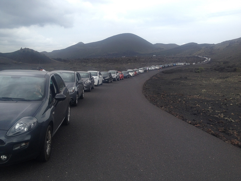 Massive car queue to get into the national park