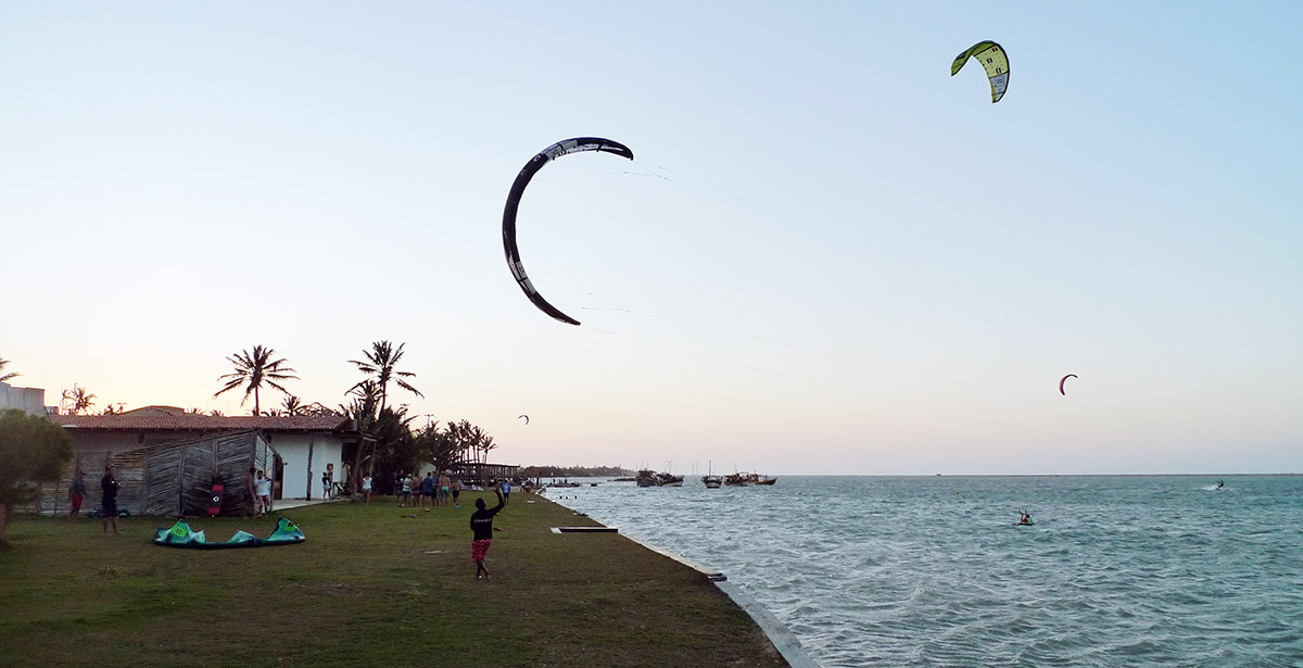 Kite landing in Ilha do Guajiru