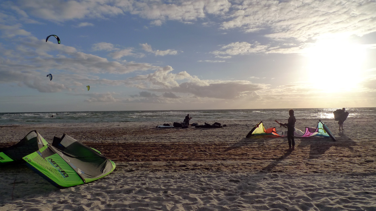 sunset kiting in skanor